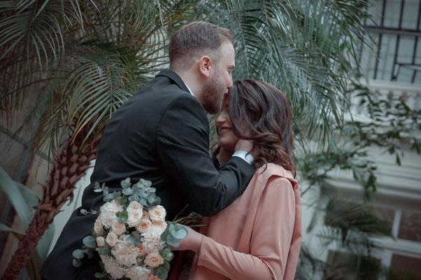 Verlobungsaufnahmen im Botanischen Garten