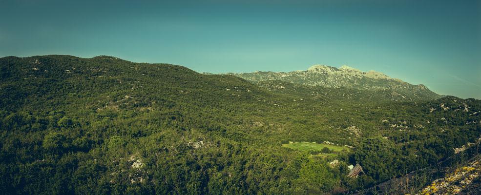 Kroatische Berglandschaft nahe Šibenik