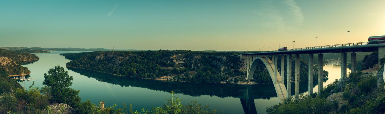 Panorama bei Sibenik Bridge Brücke mit Blick auf Skradin