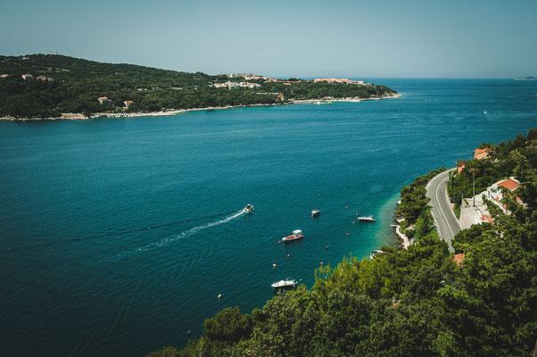 Blick auf das Meer nahe Dubrovnik vom Parkplatz aus Vidikovac Lozica