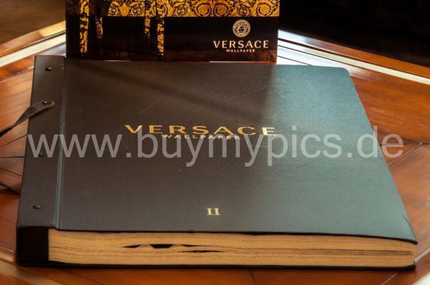 Versace Katalog für spezielle und exklusive Tapeten für den Wohnbereich oder Gewerberäume