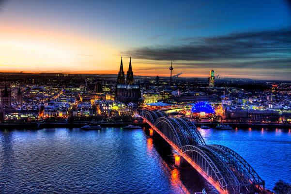Hochzeitsfotograf für Aufnahmen in Köln