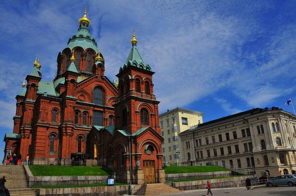 Helsinki, Finnland. Orthodoxe Uspenski Kathedrale auf Hügel auf der Halbinsel Katajanokka