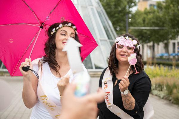 Russischer Videograf für moderne professionelle Videos vor der Heirat in Büdingen