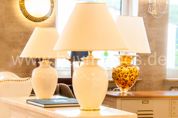 Stehlampe Stehleuchte für Schlafzimmer oder auch für Eingangsbereich im Hotel und Krankenhaus, Deckenfluter Tischstehleuchte