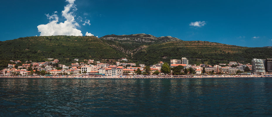 Panorama Blick auf die Stadt Petrovac in Montenegro