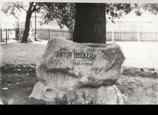 Gedenkstein für Artur Becker