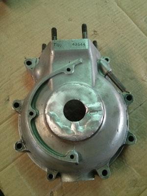 Reparación mediante soldadura aluminio a rotura de tapa de motor triumph bonneville