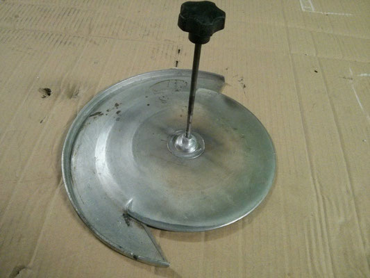 Reconstrucción de pezón y rosca de pieza de maquina corta fiambres industrial.