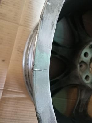 Fisura en llanta de aluminio BMW