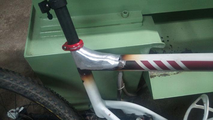 Refuerzo en tija de sillín de bici mediante soldadura en aluminio