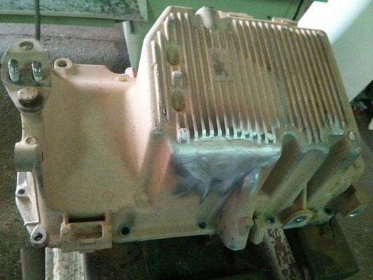 Reparación de cárter de coche medianta soldadura en aluminio.