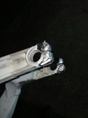 Reparación mediante soldadura aluminio en basculante bici de descenso