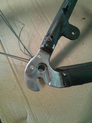 Soporte desviador de piñones de bici fundido de nuevo mediante soldadura en aluminio