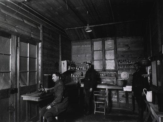 Laboratoire - Laboratory