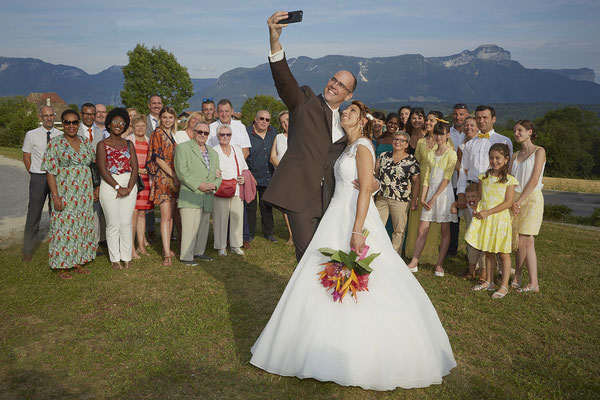Mariage groupe selfie