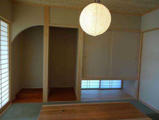 自社制作の堀こたつのある和室