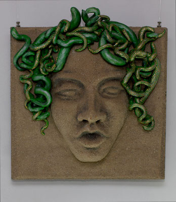 Medusa, 43 x 40 x 17 cm
