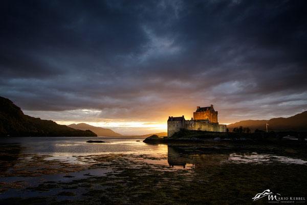 Letzte Sonnenstrahlen am Eilean Donan Castle