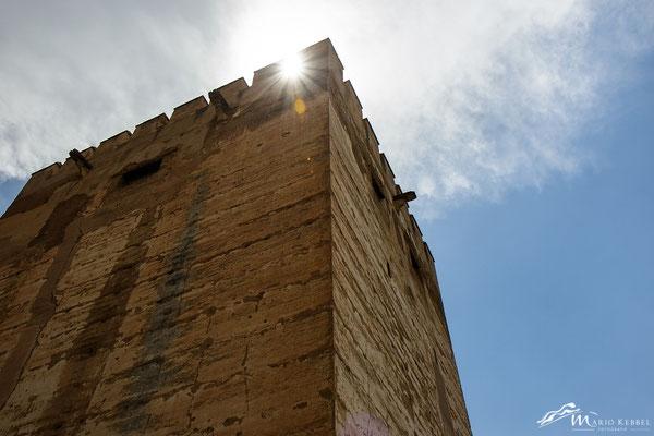 Blick zum Flaggenturm in der Alhambra