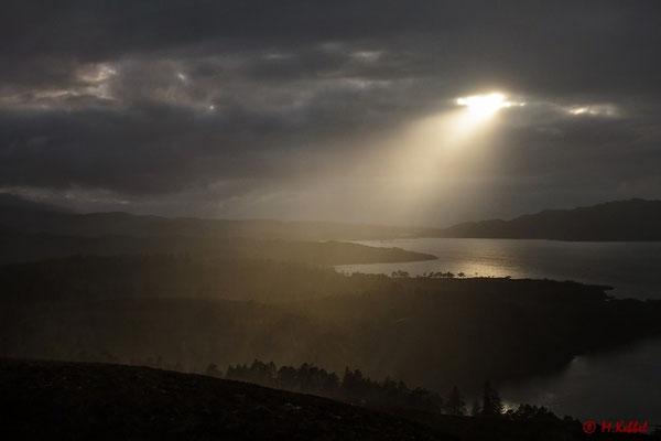 Letzte Sonnenstrahlen über dem Loch Torridon