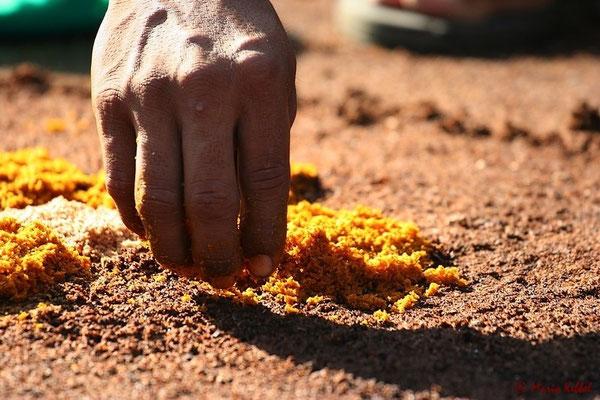 Kreative Bilder mit farbigen Sand