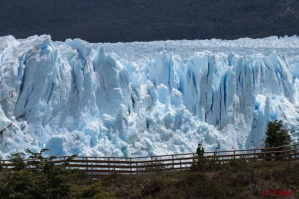 Argentinien: Größenverhältnis Mensch - Gletscher