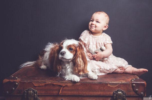 Séance photo bébé avec chien, photographe bébé Toulouse