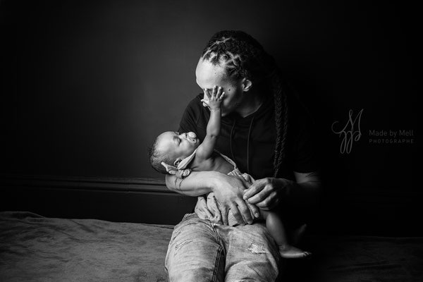 Séance photo nouveau-né bébé toulouse, photographe bébé toulouse, portrait bébé avec papa