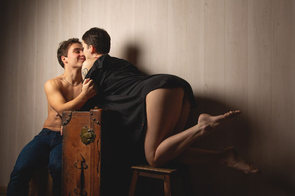 séance photo de couple Toulouse, photographe couple lingerie