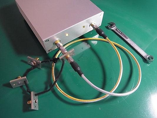 Port1 と Port2 の間に THRU標準器を接続した様子