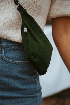 Bauchtasche Cord - Tasche - Handtasche - Cord - Gürteltasche - zacamo -Streetwear - flaschengrün - grün - Cordstoff - vintage - retro