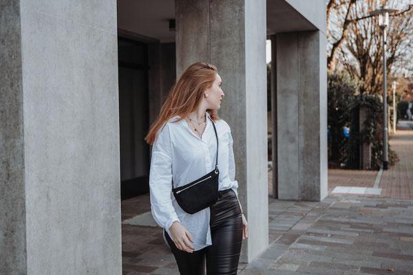 Zacamo - Bauchtasche - dunkle Bauchtasche - Tasche schwarz - Handtasche - Damentasche - Umhängetasche - schwarz - tiefschwarz