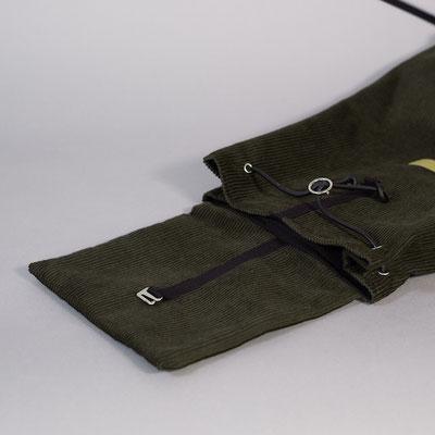 Kleiner Rucksack aus Cord, dunkelgrün