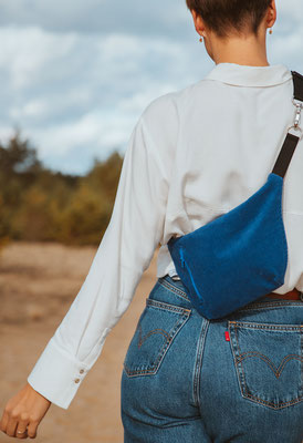 Zacamo - Streetstyle - Fairwear - Fair Fashion - vegane Mode - blaue Bauchtasche - Bumbag blau - Crossbodybag -