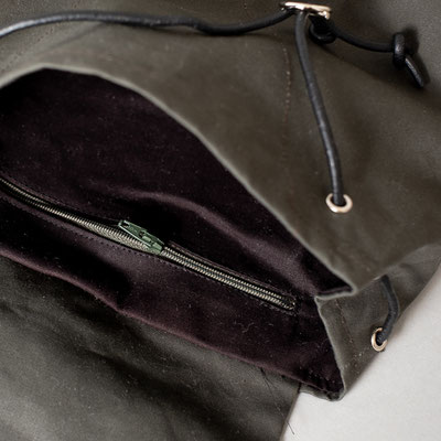 Kleiner Rucksack, dunkelgrün, fair