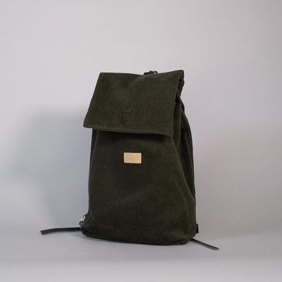 Kleiner Rucksack aus Cord, flaschengrün