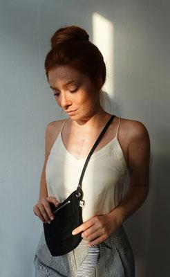 Zacamo - Bauchtasche - Bauchtasche schwarz - Umhängetasche - Crossbodybag - Bumbag - Damentasche - Suede - schwarz