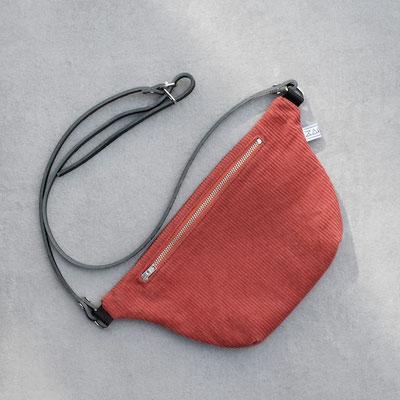 Bauchtasche - Cordtasche - Cord - rostrot - rot - rote Tasche - Handtasche - Gürteltasche -Damentasche - Lederriemen - zacamo
