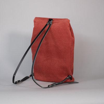 Kleiner Rucksack aus Cord rostrot