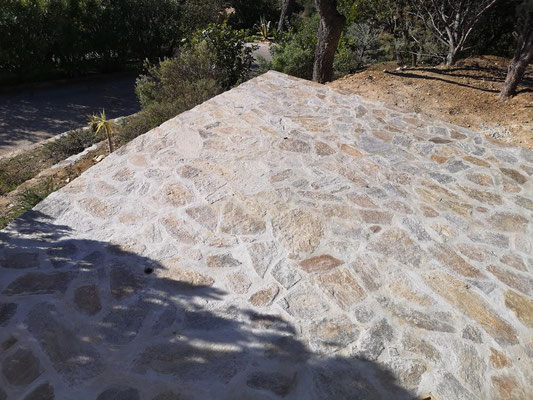 Fast fertig: unsere neue Terrasse