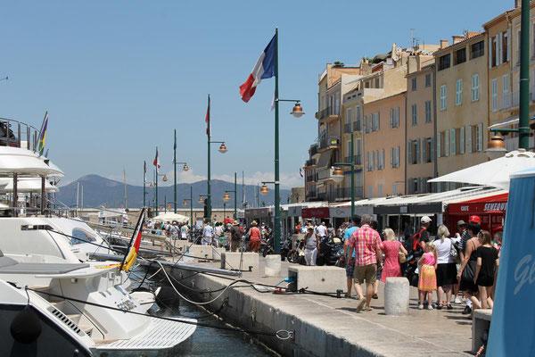 Viel los im Sommer an der Côte d'Azur - wie hier in St-Tropez