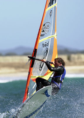 Surfen und Kite-Surfen in der Bucht von Hyères / Halbinsel Giens