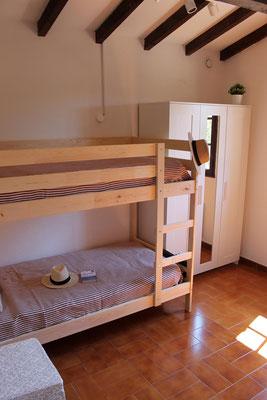 """Das kleinere der beiden Schlafzimmer mit """"Morgensonne"""""""
