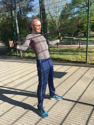 Training mit dem eigenen Körpergewicht oder Equipment