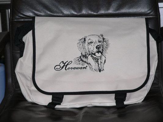 Messenger Bag 41x31x12 cm         25 Euro