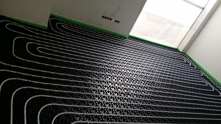 Fußbodenheizung mit Noppenmatte