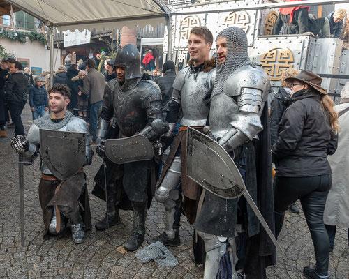 Vier  tapfere Ritter präsentierten sich nach dem Kampf.