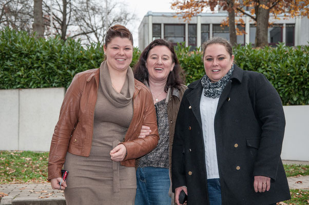 Die drei Betreuerinnen mit Annette Schmidt in der Mitte.