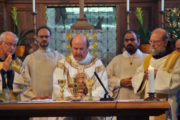 Die hl.Messe, ein sehr wichtiger Termin im Alltag eines Franziskaners.